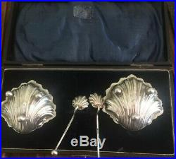 Cased Set Of Solid Silver Open Shell Salts + Matching Spoons Chester 1910 A949