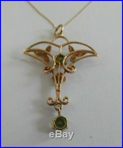 Lovely Antique 9ct Gold and Peridot set Art Nouveau Pendant Necklace 18 Chain